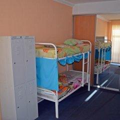 Хостел Достоевский Кровать в женском общем номере с двухъярусной кроватью фото 17