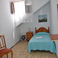 Отель Pensión Eva Номер с общей ванной комнатой с различными типами кроватей (общая ванная комната) фото 7