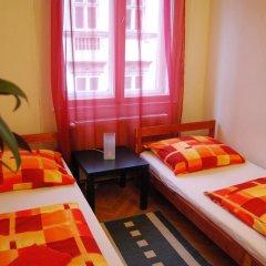 Boomerang Hostel and Apartments Стандартный номер с двуспальной кроватью (общая ванная комната) фото 3
