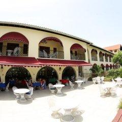 Charela Inn Hotel парковка