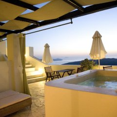 Отель Adamis Majesty Suites Греция, Остров Санторини - отзывы, цены и фото номеров - забронировать отель Adamis Majesty Suites онлайн бассейн фото 3