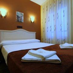 Отель Hostal Regio Стандартный номер с двуспальной кроватью фото 11