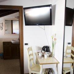 Отель Borgo Pio 91 5* Улучшенный номер с различными типами кроватей фото 9