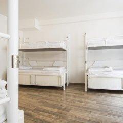 Отель Equity Point Prague Кровать в общем номере с двухъярусной кроватью фото 7