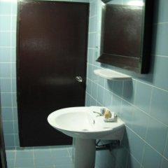 Отель Joe Palace 2* Номер Эконом с разными типами кроватей (общая ванная комната) фото 5