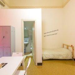Mamamia Hostel and Guesthouse Кровать в общем номере с двухъярусной кроватью