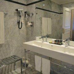 Hotel Manos Premier ванная
