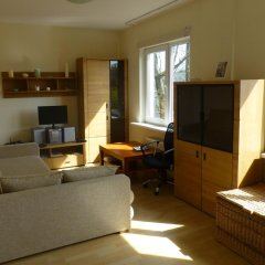 Апартаменты West Riga Apartment комната для гостей фото 2