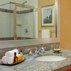 Отель Vancouver Marriott Pinnacle Downtown 4* Стандартный номер с различными типами кроватей фото 7