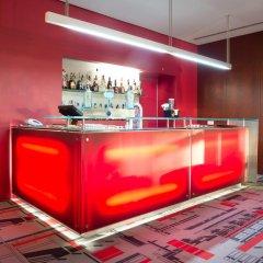 Отель VIP Executive Art's гостиничный бар фото 3