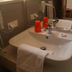 Отель Browns Sports & Leisure Club ванная