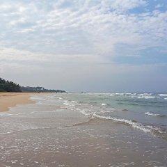 Отель Thumbelina Apartments & Hotel Шри-Ланка, Бентота - отзывы, цены и фото номеров - забронировать отель Thumbelina Apartments & Hotel онлайн пляж фото 2