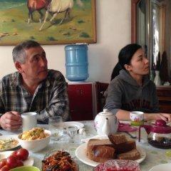 Отель Green Hostel Кыргызстан, Бишкек - отзывы, цены и фото номеров - забронировать отель Green Hostel онлайн питание фото 3