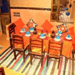 Отель Riad Ouzine Merzouga Марокко, Мерзуга - отзывы, цены и фото номеров - забронировать отель Riad Ouzine Merzouga онлайн питание