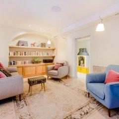Отель Martinhal Lisbon Chiado Family Suites 5* Улучшенные апартаменты с различными типами кроватей фото 4