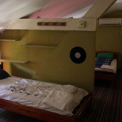 Gramophone Hostel Кровать в общем номере с двухъярусной кроватью фото 3