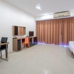 Отель Chic Residences at Karon Beach 2* Студия с различными типами кроватей фото 3