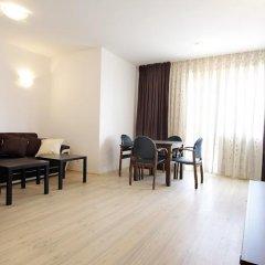 Апартаменты Apartment Miroslava Солнечный берег комната для гостей фото 2