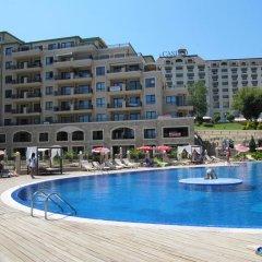 Отель Sea Apartments - Different Locations in Golden Sands Болгария, Золотые пески - отзывы, цены и фото номеров - забронировать отель Sea Apartments - Different Locations in Golden Sands онлайн бассейн