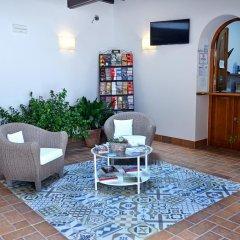 Отель Hostal La Fonda Испания, Кониль-де-ла-Фронтера - отзывы, цены и фото номеров - забронировать отель Hostal La Fonda онлайн питание фото 2