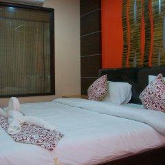 Dengba Hostel Phuket Улучшенный номер с различными типами кроватей