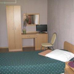 Гостиница Искра 3* Стандартный номер с двуспальной кроватью фото 2