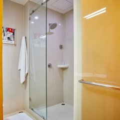 Отель Red Planet Bangkok Asoke 2* Стандартный номер с различными типами кроватей фото 15
