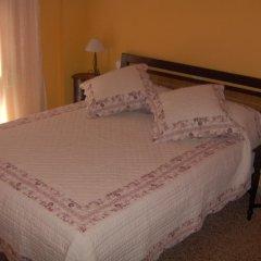 Отель Hostal Restaurante Arasa Стандартный номер с двуспальной кроватью