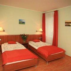 Отель Penzion Fan 3* Студия с 2 отдельными кроватями фото 22