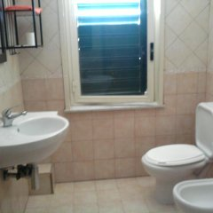 Отель Appartamento Glass Cinquecento Италия, Джардини Наксос - отзывы, цены и фото номеров - забронировать отель Appartamento Glass Cinquecento онлайн ванная