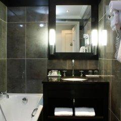 Отель Hôtel California Champs Elysées 4* Улучшенный номер с различными типами кроватей фото 4