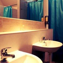 Hostel Universus i Apartament Кровать в общем номере с двухъярусной кроватью фото 9