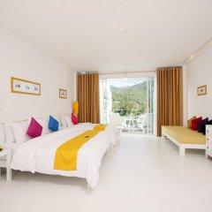 Отель The Old Phuket - Karon Beach Resort 4* Номер Делюкс с двуспальной кроватью