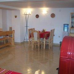 Отель Guesthouse Gostilitsa Боженци питание фото 2