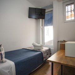 Отель Hostal CC Malasaña Номер категории Эконом с различными типами кроватей фото 2