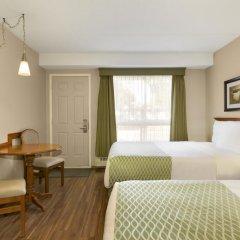 Отель Colonial Square Inn & Suites 2* Стандартный номер 2 отдельные кровати фото 3
