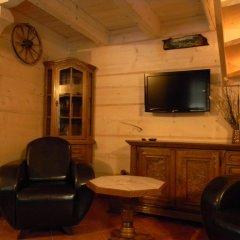 Отель Góralski Domek Jasinek комната для гостей