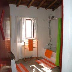 Отель Casa Monte dos Amigos сейф в номере
