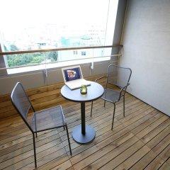 Отель PJ Myeongdong Южная Корея, Сеул - отзывы, цены и фото номеров - забронировать отель PJ Myeongdong онлайн балкон
