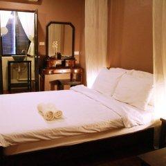 Niras Bankoc Cultural Hostel Стандартный номер с двуспальной кроватью фото 6