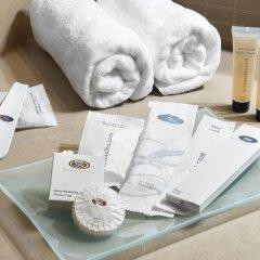 Отель Holiday Inn Madrid - Calle Alcala 4* Люкс с различными типами кроватей
