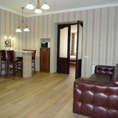Гостиница Lviv Tour Apartments Украина, Львов - отзывы, цены и фото номеров - забронировать гостиницу Lviv Tour Apartments онлайн комната для гостей фото 3