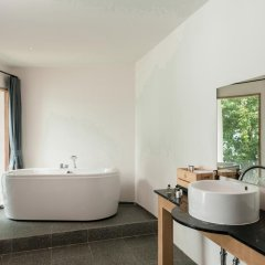 Отель Tamarina Bed & Bistro Таиланд, Самуи - отзывы, цены и фото номеров - забронировать отель Tamarina Bed & Bistro онлайн ванная фото 2