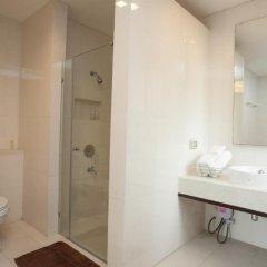 Отель Baan Silom Soi 3 2* Улучшенный номер с разными типами кроватей фото 5