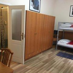 Отель Swing City Венгрия, Будапешт - 6 отзывов об отеле, цены и фото номеров - забронировать отель Swing City онлайн комната для гостей фото 4