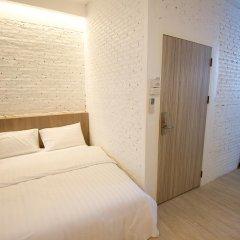 Отель Glur Bangkok Стандартный номер разные типы кроватей фото 37