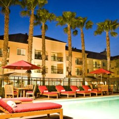 Отель Courtyard Milpitas Silicon Valley бассейн