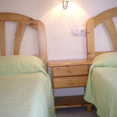 Отель Hostal Pacios Стандартный номер с 2 отдельными кроватями (общая ванная комната) фото 12