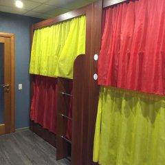 Хостел Лайк на Максима Горького Кровать в общем номере с двухъярусной кроватью