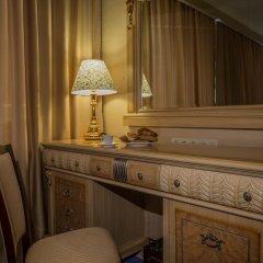 Гостиница Мандарин Москва 4* Номер Делюкс с двуспальной кроватью фото 16